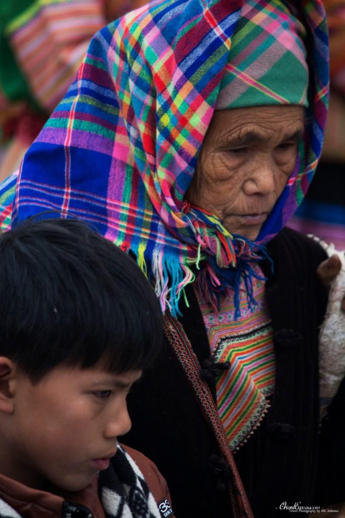 old lady hmong vietnam sapa